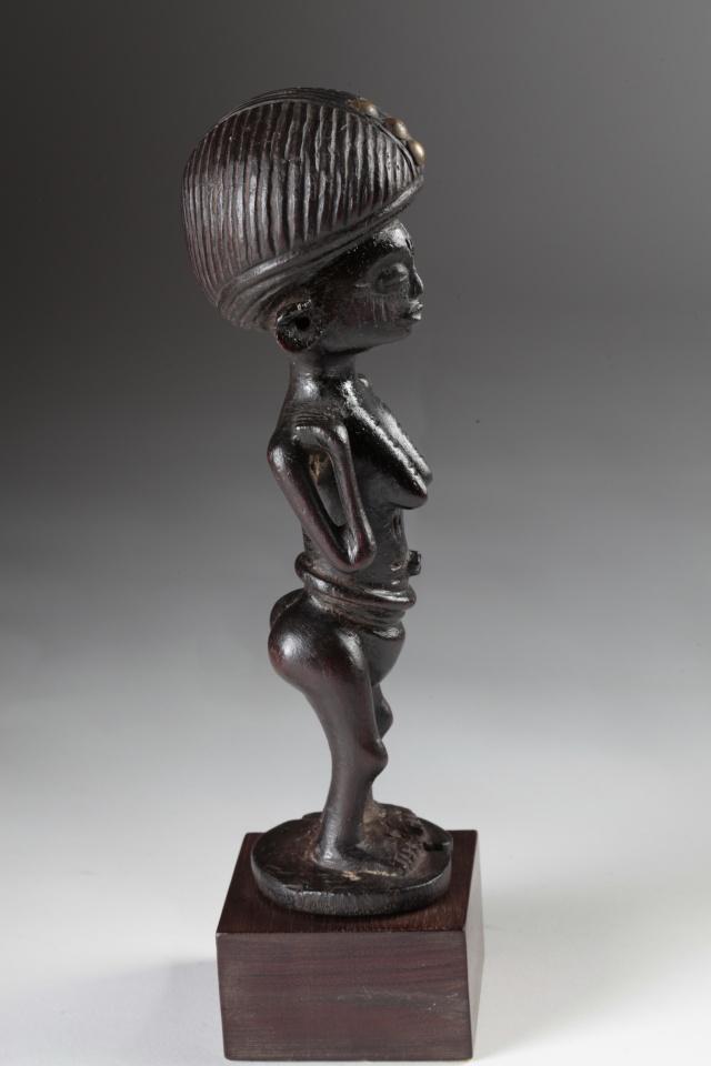 Chokwe people, Female Statue, Shinji Figure, Uruunda Region (Lower Congo/Angola) Img_0011