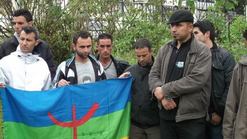 Recueillement sur la tombe de Saidi Akli le 29 avril 2013  111