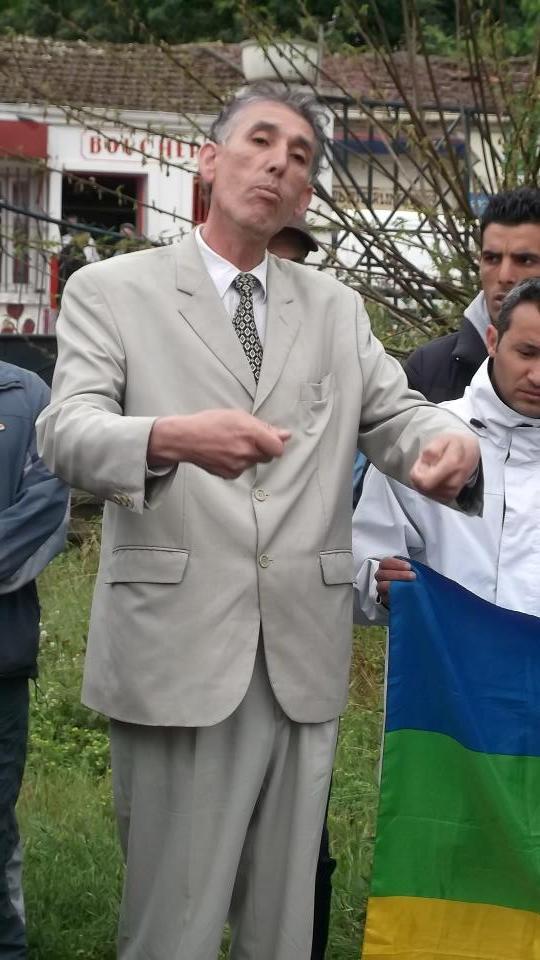 Recueillement sur la tombe de Saidi Akli le 29 avril 2013  112