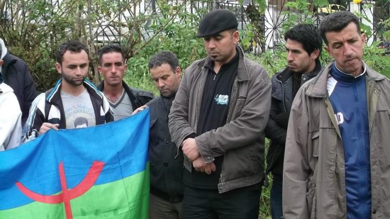Recueillement sur la tombe de Saidi Akli le 29 avril 2013  123