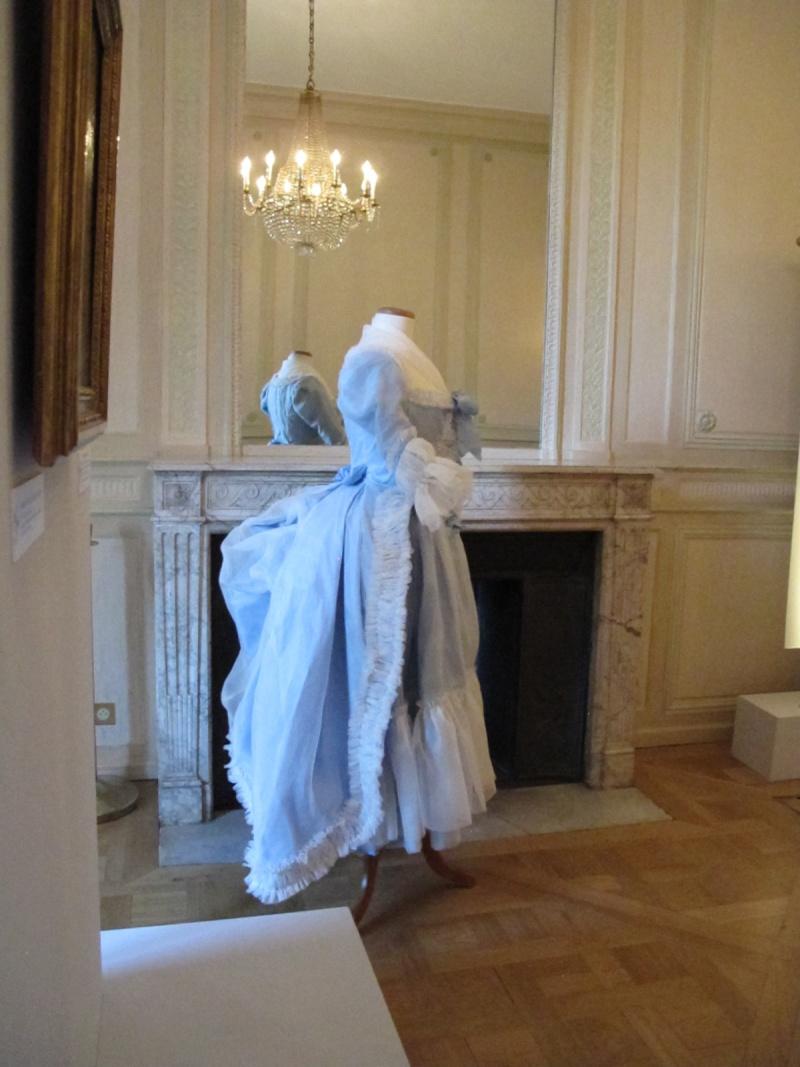 Exposition Mme Elisabeth à Montreuil - Page 2 Img_3314