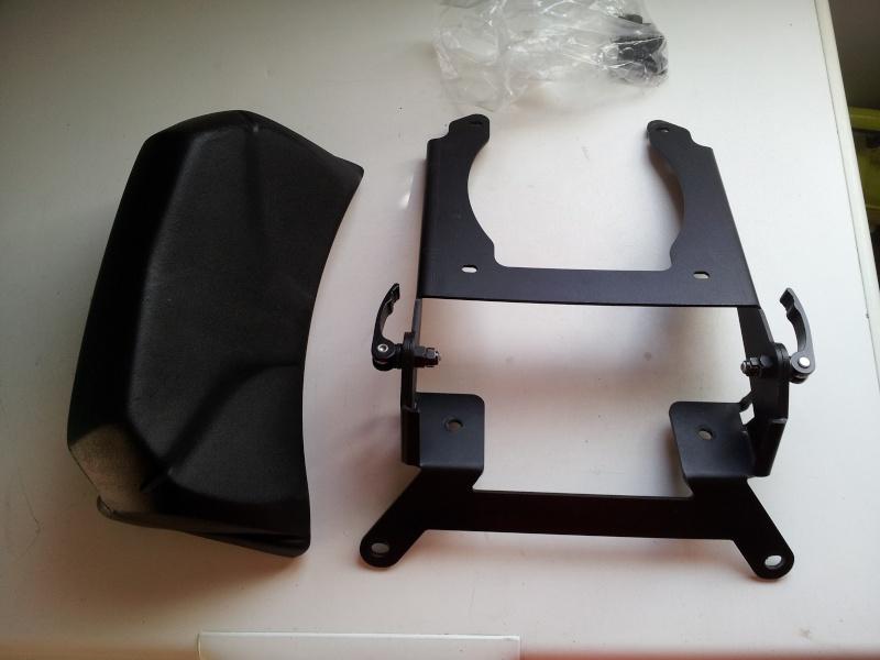 Vend sacoches cavalière et support top case Monokey levable 20130518
