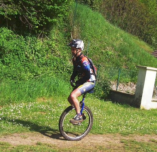 un monocycle à Villers-cotteret 02 Commun10