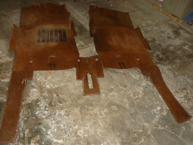 Moquette interieur avant R17 P1070126