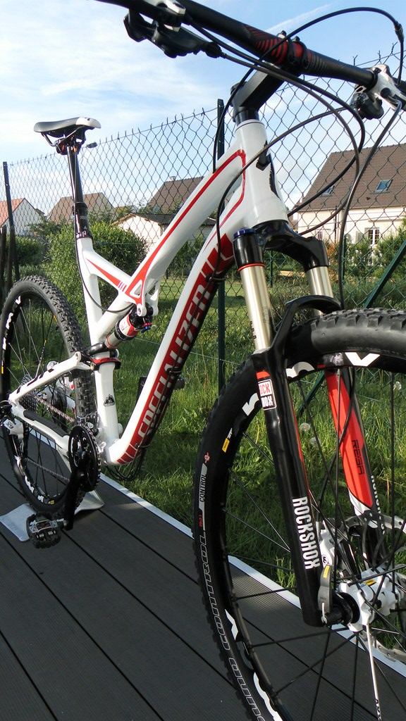 Specialized Camber Comp 29 2013 - Du neuf en page 9 Sam_4420