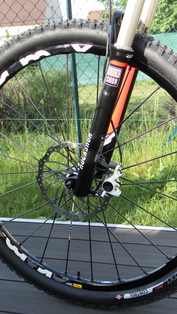 Specialized Camber Comp 29 2013 - Du neuf en page 9 Sam_4422