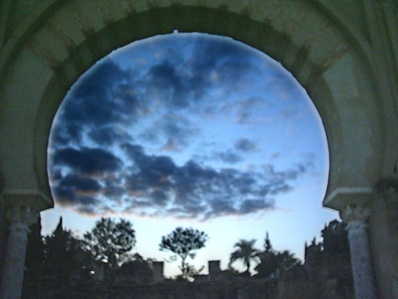 تسجيل نادر للدكتور حسين فوزى يشرح فيه ليالى فى حدائق اسبانيا لمانويل دى فايا Granpc10