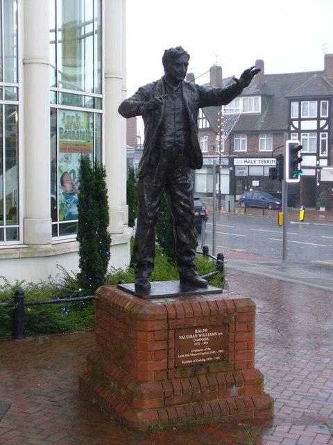 فون وليامز حياته الموسيقية ودورة فى نشر الموسيقى الشعبية الانجليزية Ralph_10