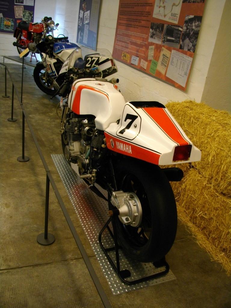 Xj 900 race Xj90010