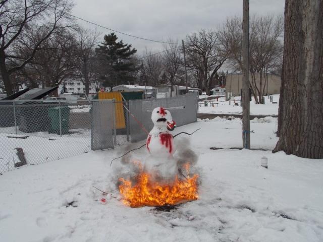 Winter Sucks! - Page 2 Snowma10