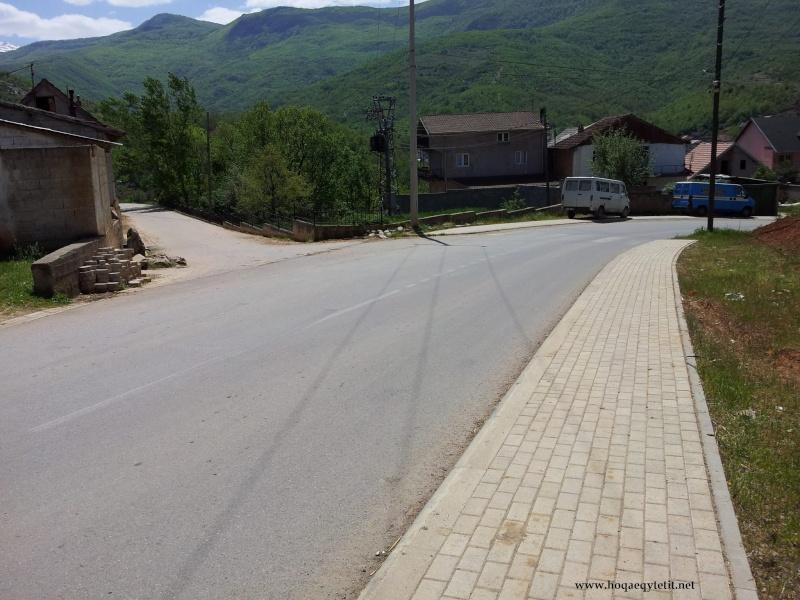 Rrugët e fshatit etj. (Prill 2013) 47697510
