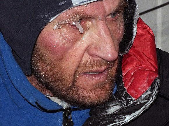 Alexey Bolotov : chapeaux!! Boloto10
