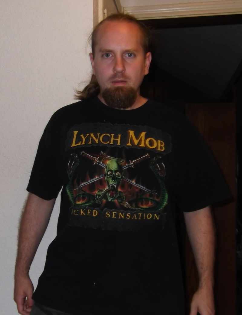 What T-shirt are you wearing today (and Why?) - Page 5 Lynch_10