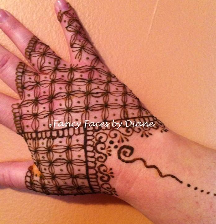 Non-dominant hand practice Henna_10