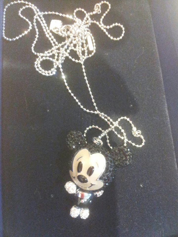 Bijoux Disney (Swarowski, Disney couture et autres) - Page 5 94285810
