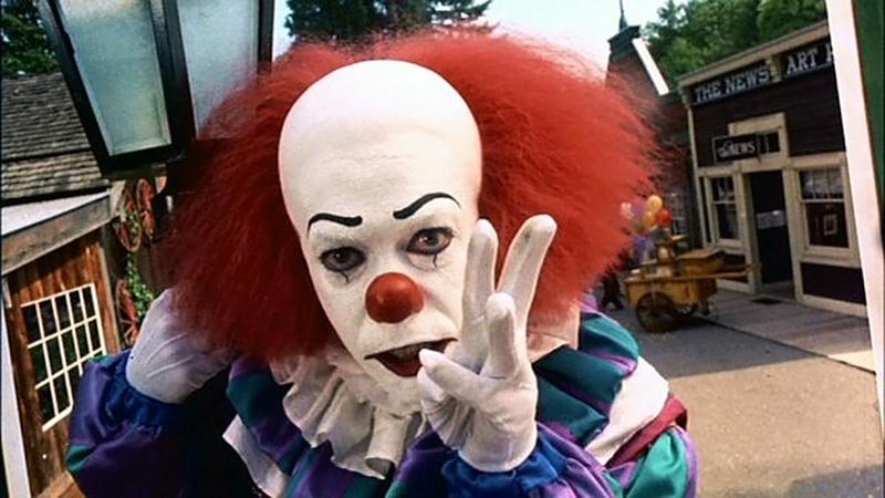 """Un clown et une femme? Et si c'était """"ça""""? Aa10"""