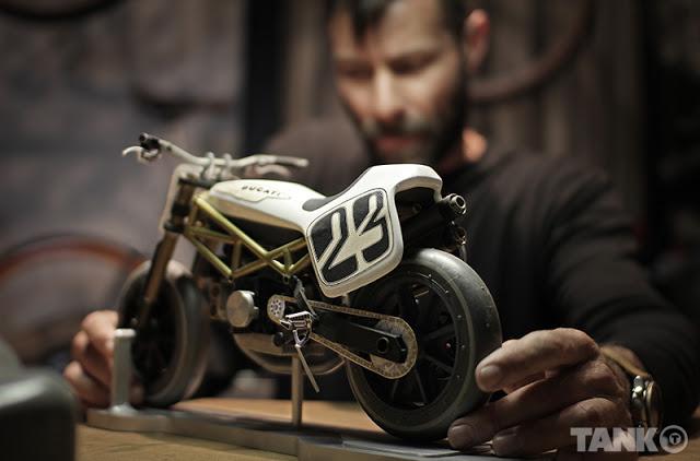 Monster Tracker Ducati11