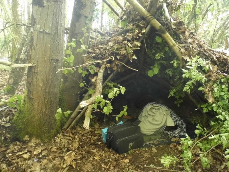 Bretagne : Avec abris de survie & tente de sudation  P1010211
