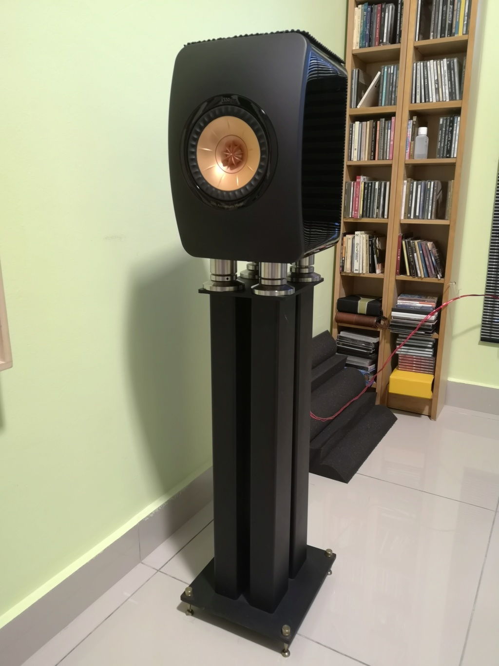 Kef LS50 anniversary model with 24 in solid stand with sandfill Img_2033