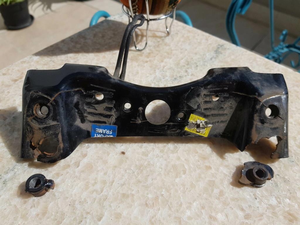 Chasis quebrado soporte de manijas acompañante 20190313