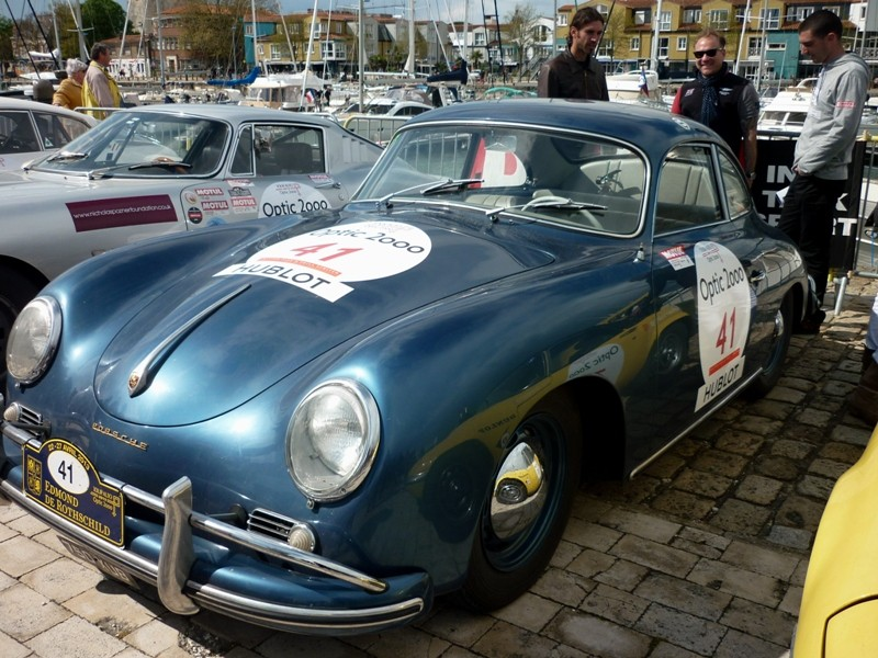 Tour Auto 2013. Porsche en force - Page 4 P1060918