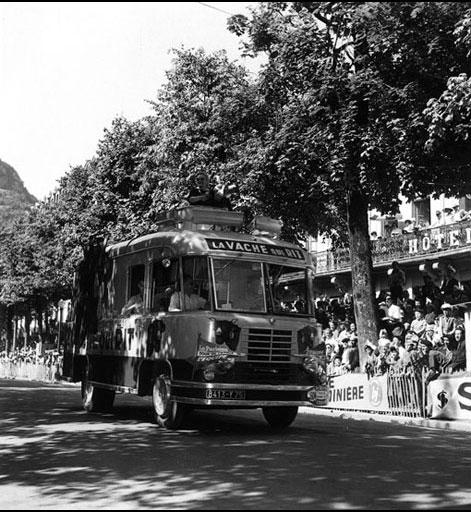 Les véhicules de la Caravane du Tour de France 1950's & 1960's 0-03-210