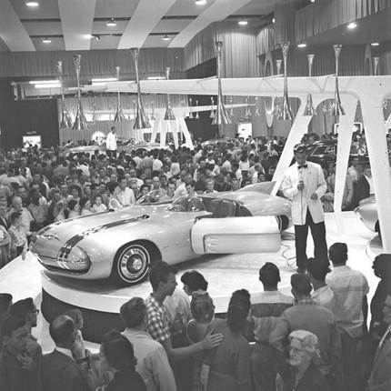 Pontiac Club De Mer - 1956 1956-p10
