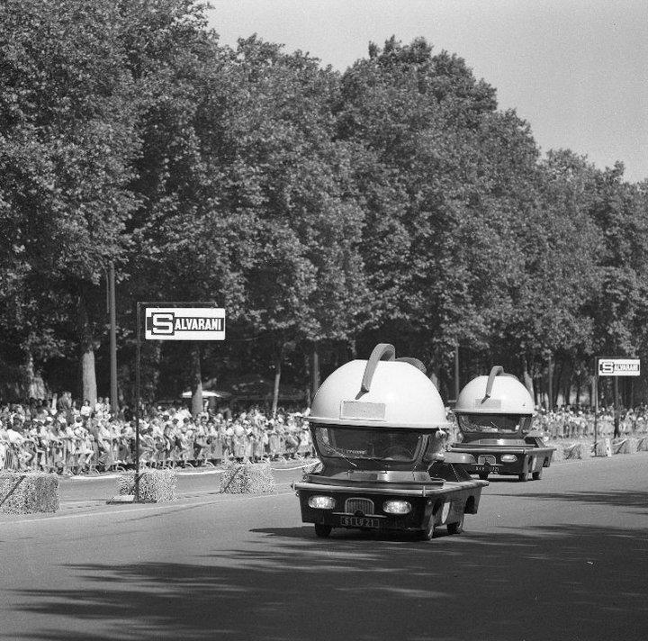 Renault Estaffette - Véhicule publicitaire Hoover aspirateur - Tour de France 28266_10
