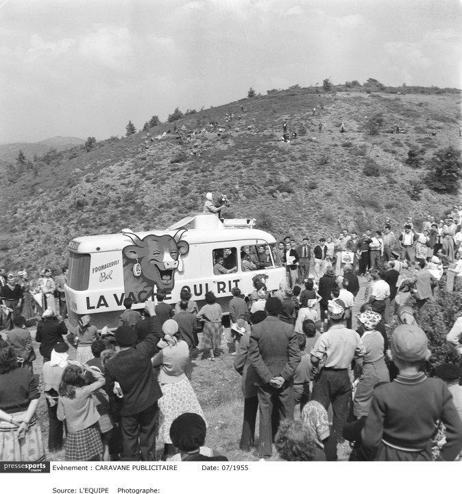 Les véhicules de la Caravane du Tour de France 1950's & 1960's - Page 2 35780_17