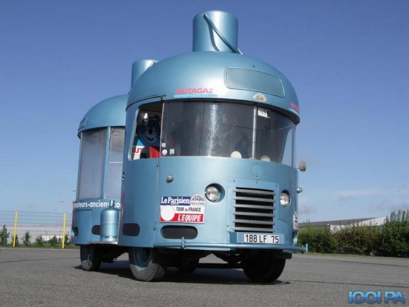 Les véhicules de la Caravane du Tour de France 1950's & 1960's - Page 2 55030911