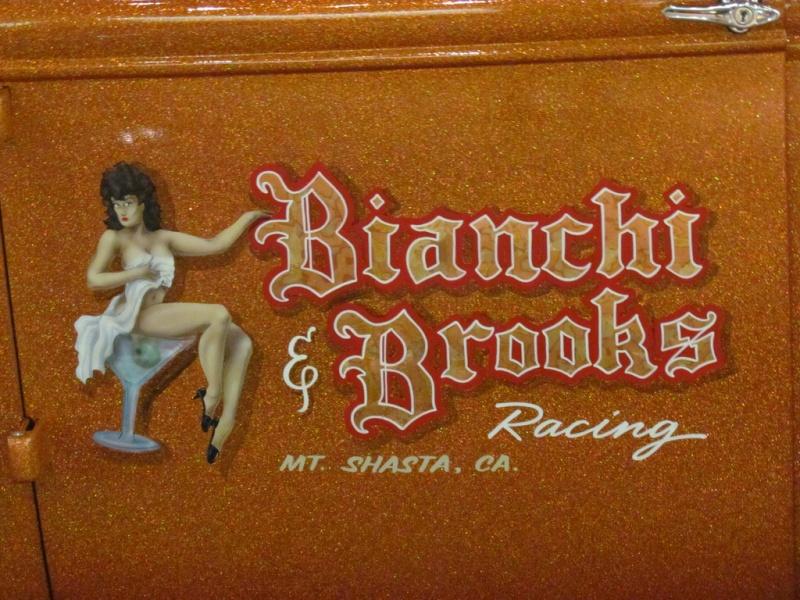 Slingshot & vintage dragster  68233111