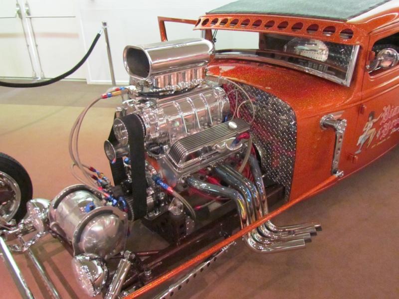 Slingshot & vintage dragster  68233112