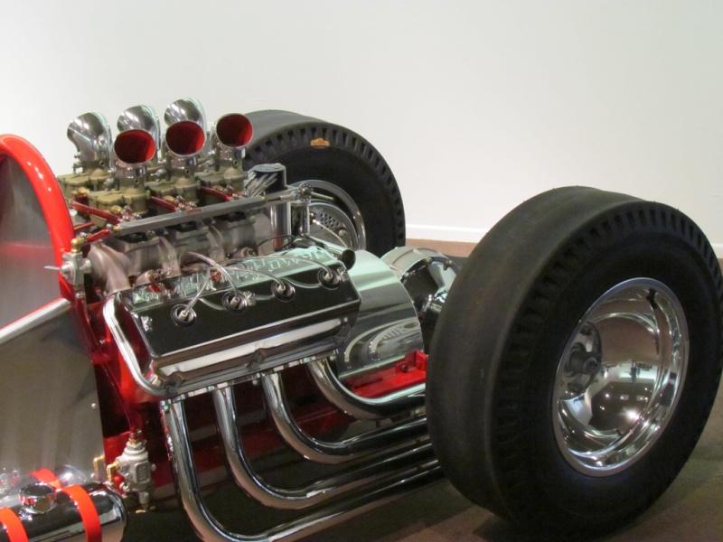 Slingshot & vintage dragster  68233510
