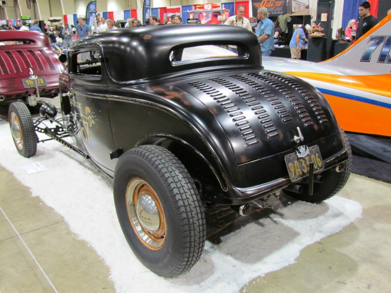 1932 Ford hot rod - Page 3 69313010