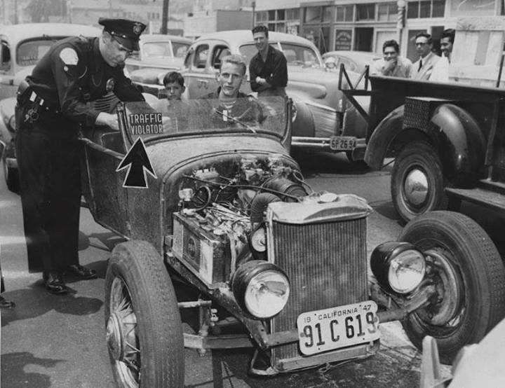"Hot rod in street - Vintage pics - ""Photos rétros"" -  - Page 2 94562910"