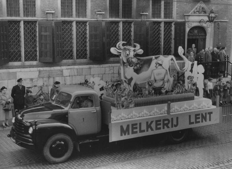 Les véhicules de la Caravane du Tour de France 1950's & 1960's Laiter10