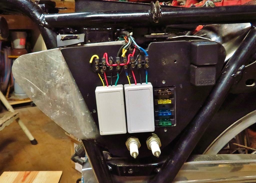 Circuit allumage électronique pour rupteur - Page 4 Img_0110