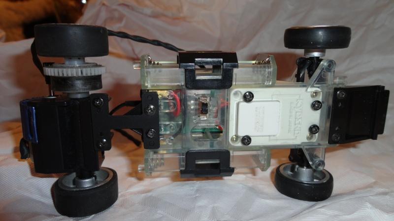 Recherche châssis MR01 (MZ01) + rétroviseur F1 Chassi14