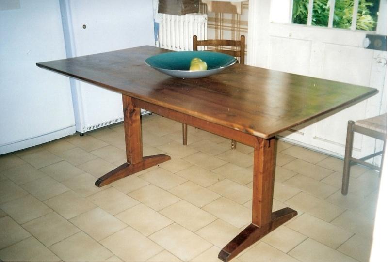 Restauration d'une table de ferme  Numari13