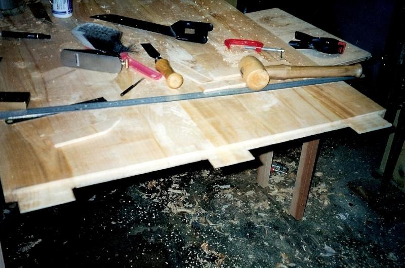Restauration d'une table de ferme  Numari15