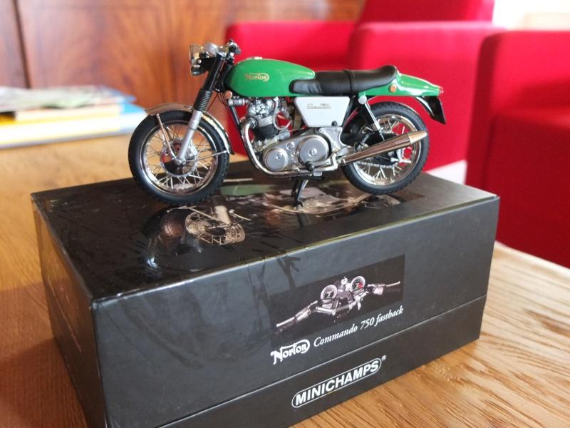 Miniature MOTOS, Honda, Ducati, kawasaki, Guzzi, Yamaha, Norton, Triumph... etc Dscf6053