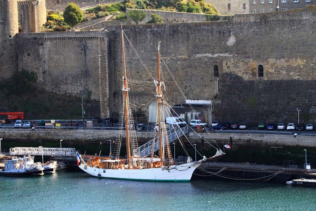 [Les ports militaires de métropole] Port de BREST - Page 39 Img_0215
