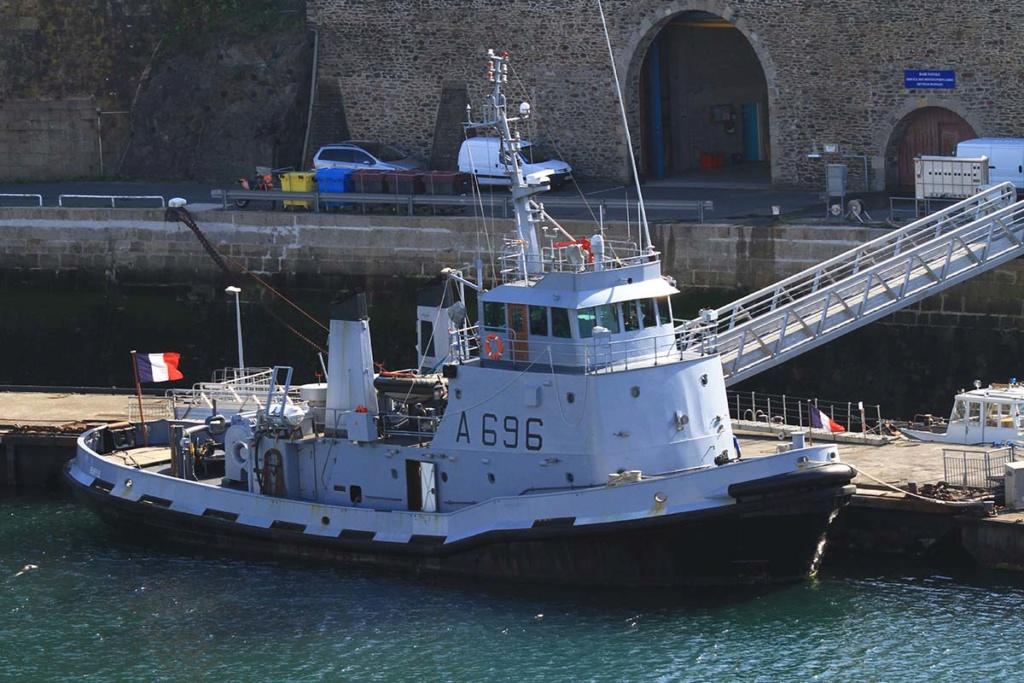 [Les ports militaires de métropole] Port de BREST - Page 39 Img_0216