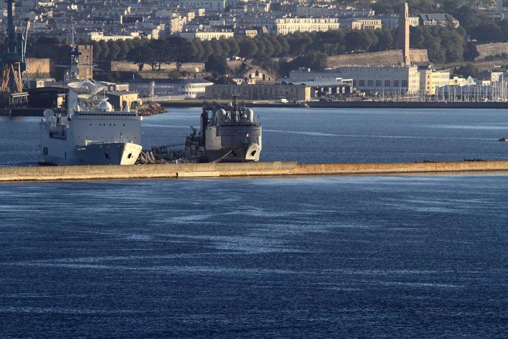 [Les ports militaires de métropole] Port de BREST - Page 39 Img_0516
