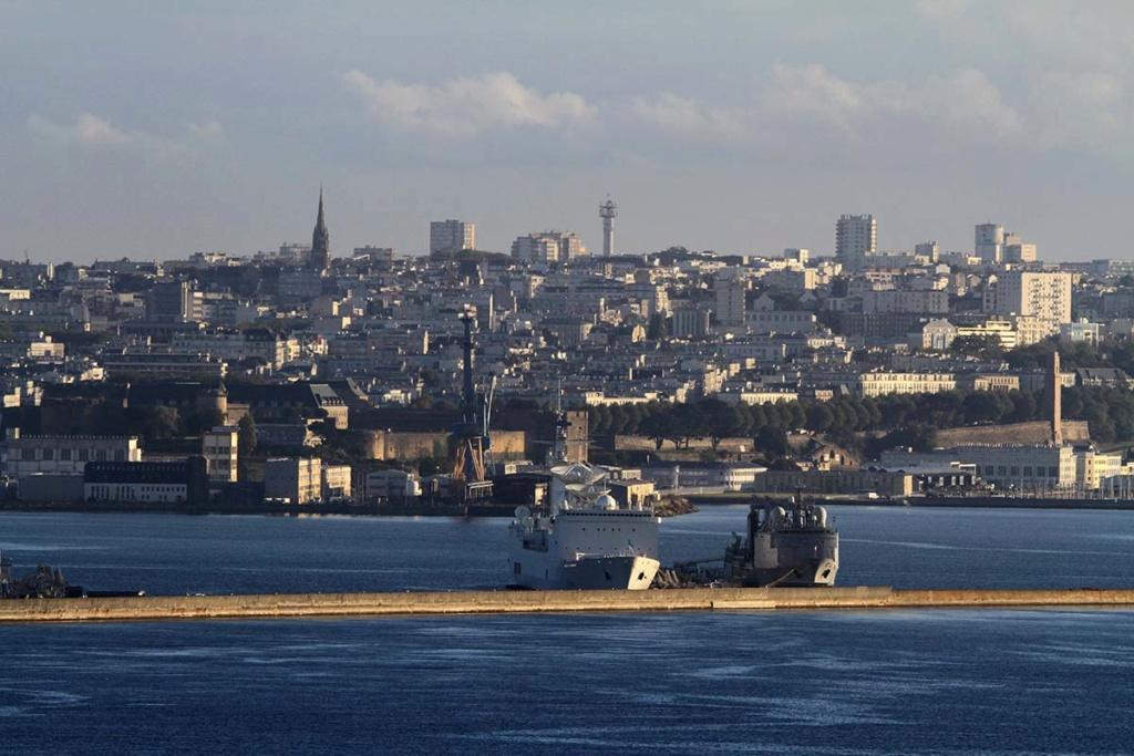 [Les ports militaires de métropole] Port de BREST - Page 39 Img_0517