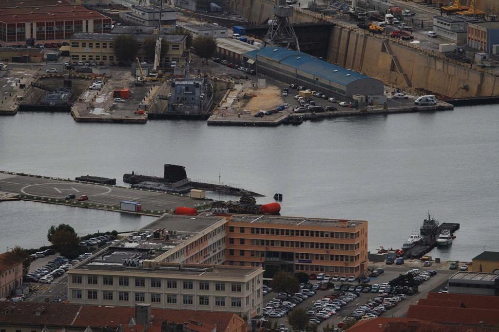 [LES PORTS MILITAIRES DE MÉTROPOLE] Mouvements de Bâtiments dans la rade de Toulon - Page 22 Img_0712