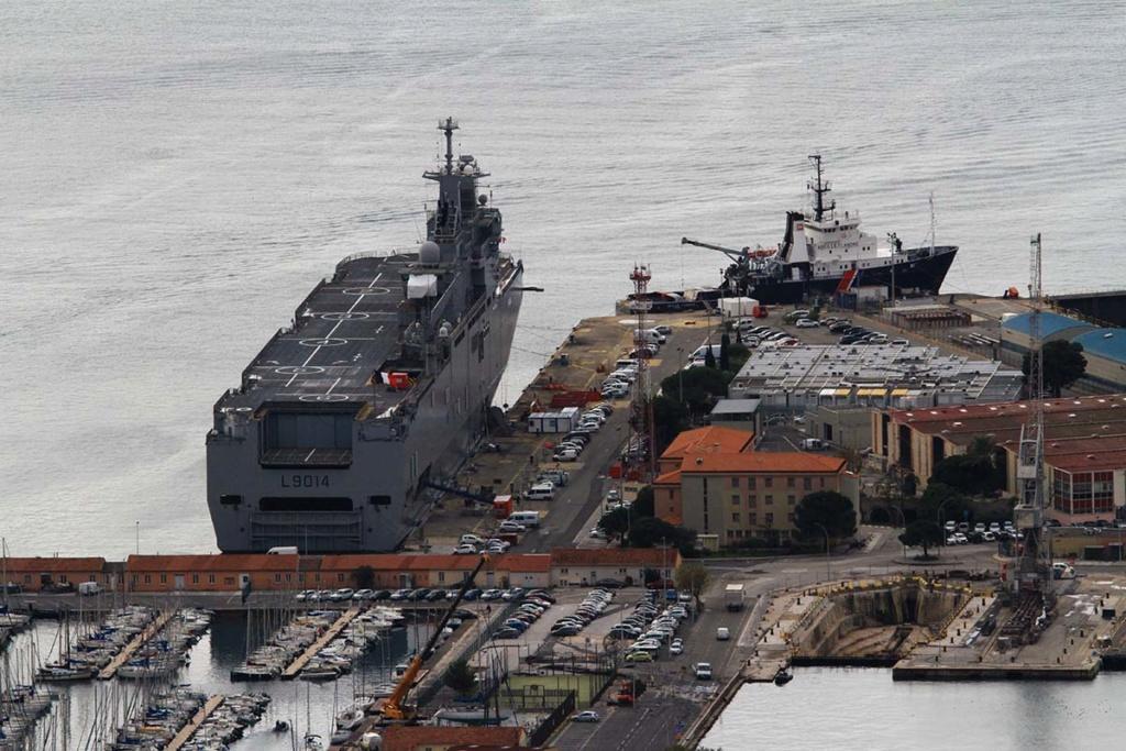 [LES PORTS MILITAIRES DE MÉTROPOLE] Mouvements de Bâtiments dans la rade de Toulon - Page 22 Img_0718