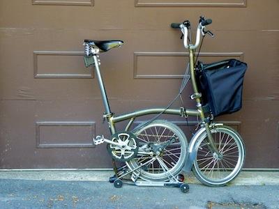 Les sacs Brompton pour l'avant ET/OU pour l'arrière ... P1070415