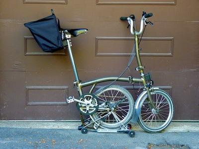 Les sacs Brompton pour l'avant ET/OU pour l'arrière ... P1070416