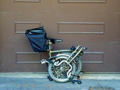 Les sacs Brompton pour l'avant ET/OU pour l'arrière ... P1070417